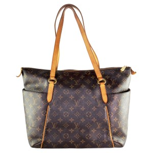 Louis Vuitton Totally Monogram Canvas Classic Tote in Brown