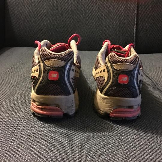 New Balance White, Pink and Black Athletic