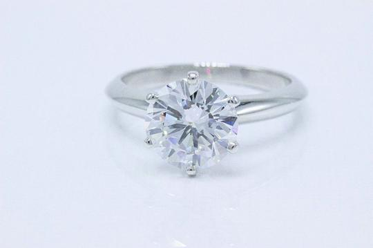 Tiffany & Co. D Vvs1 Round Brilliant Diamond 2.01 Cts Platinum Engagement Ring Image 3