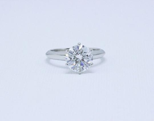 Tiffany & Co. D Vvs1 Round Brilliant Diamond 2.01 Cts Platinum Engagement Ring Image 4