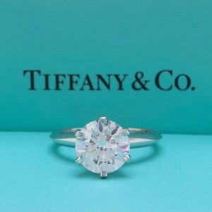 Tiffany & Co. H Vvs2 Round Brilliant Diamond Solitaire 2.55 Cts Platinum Engagement Ring