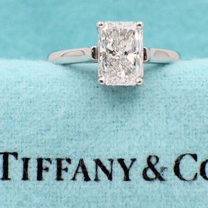 Tiffany & Co. E Vs1 Radiant Diamond 2.07 Cts Platinum Engagement Ring