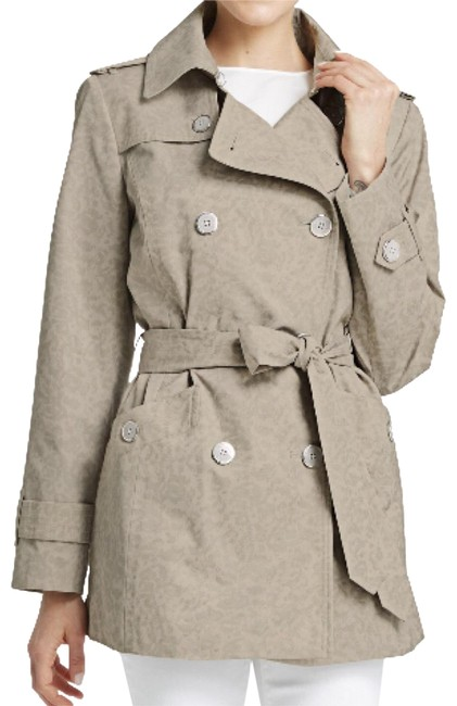 Preload https://item4.tradesy.com/images/johnston-and-murphy-tan-animal-print-trench-coat-size-4-s-23917103-0-3.jpg?width=400&height=650