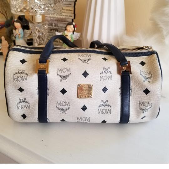 Preload https://img-static.tradesy.com/item/23917156/mcm-barrel-hand-whiteblue-leather-baguette-0-1-540-540.jpg
