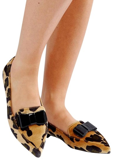 Preload https://img-static.tradesy.com/item/23917173/asos-leopard-latter-fit-ballet-flats-size-us-7-wide-c-d-0-1-540-540.jpg