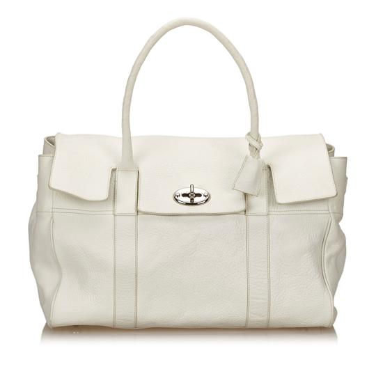 Preload https://img-static.tradesy.com/item/23917264/mulberry-bayswater-white-leather-x-others-weekendtravel-bag-0-0-540-540.jpg