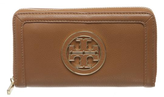 Preload https://img-static.tradesy.com/item/23917357/tory-burch-tan-leather-zippy-484348-wallet-0-0-540-540.jpg