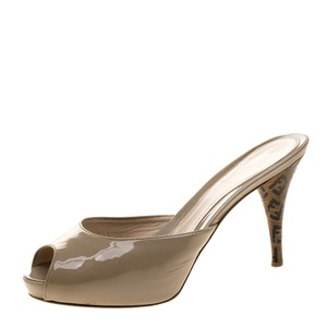 Fendi Patent Leather Peep Toe Beige Sandals