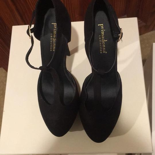 Designer Unknown Black Pumps