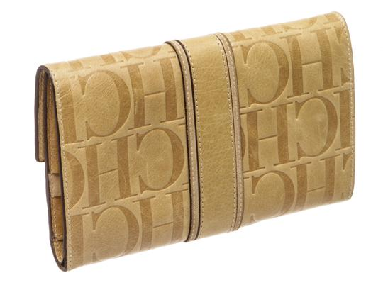 Carolina Herrera Carolina Herrera Beige Leather Monogram Wallet 484974