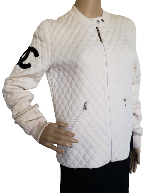 Preload https://item4.tradesy.com/images/chanel-white-black-cambon-creme-ligne-quilted-cc-logo-wool-spring-jacket-size-8-m-23917468-0-2.jpg?width=400&height=650