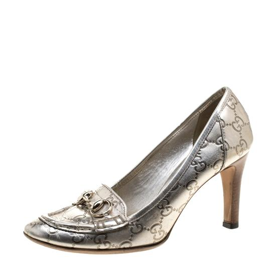 Preload https://item4.tradesy.com/images/gucci-metallic-horsebit-silver-guccissima-leather-loafer-pumps-size-eu-385-approx-us-85-regular-m-b-23917478-0-0.jpg?width=440&height=440