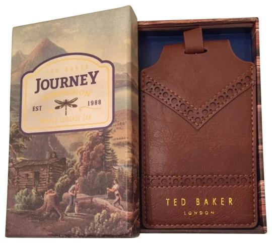 Preload https://img-static.tradesy.com/item/23917511/ted-baker-brown-leather-luggage-patch-0-1-540-540.jpg