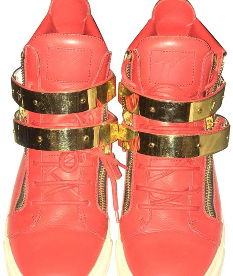 Preload https://item2.tradesy.com/images/giuseppe-zanotti-red-and-gold-high-top-double-ski-buckle-sneakers-size-us-9-regular-m-b-23917676-0-1.jpg?width=440&height=440