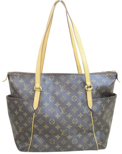 Preload https://item2.tradesy.com/images/louis-vuitton-totally-brown-monogram-canvas-shoulder-bag-23917736-0-1.jpg?width=440&height=440