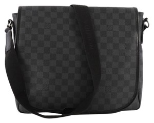 Louis Vuitton Canvas Medium damier graphite Messenger Bag
