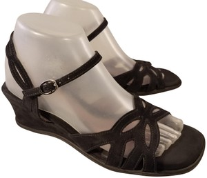 BeautiFeel Naot Taos Mephisto black Sandals