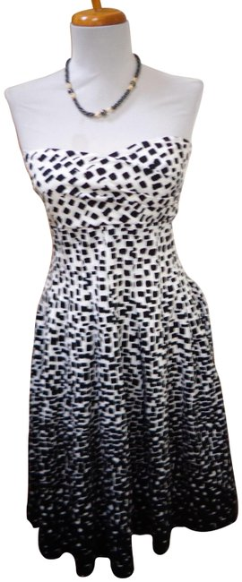 Item - Black/White Ombre Strapless Empire Waist Short Night Out Dress Size 4 (S)