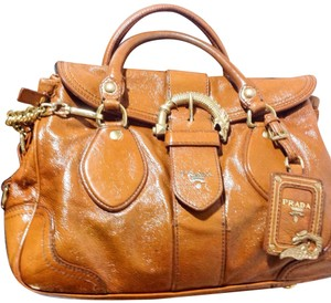 2a7181f1f2 Brown Prada Satchels - Up to 70% off at Tradesy (Page 3)
