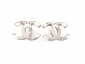 Chanel Chanel CC Logo White Color W/crystal Very Simple Pierced Earrings