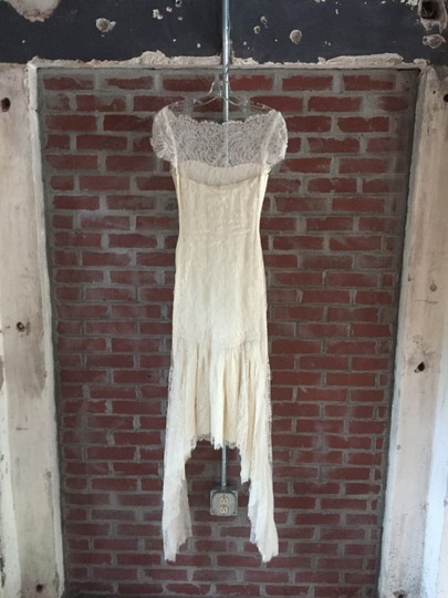 Marchesa Ivory Silke and Lace Mid Length - Feminine Wedding Dress Size 2 (XS) Image 3