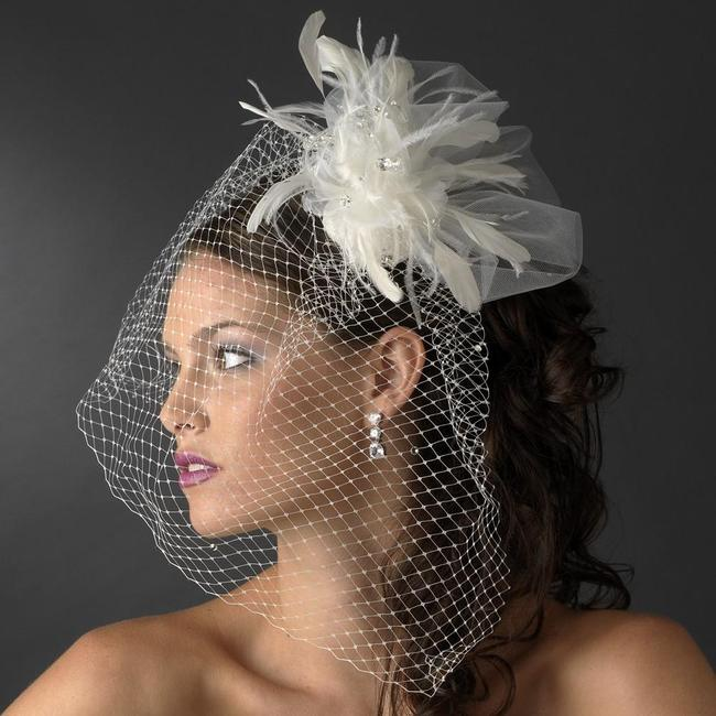 Item - White Or Ivory Birdcage Russian with Feathers & Austrian Crystals On Comb Bridal Veil
