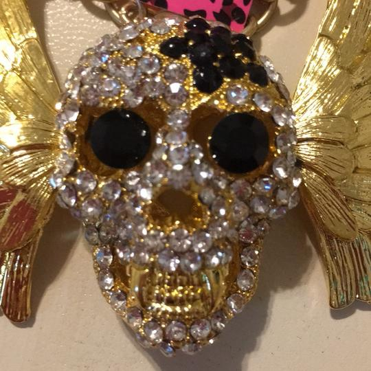 Betsey Johnson skull with moveable wings
