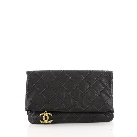 Preload https://img-static.tradesy.com/item/23926426/chanel-clutch-thin-city-quilted-small-black-calfskin-leather-clutch-0-0-540-540.jpg