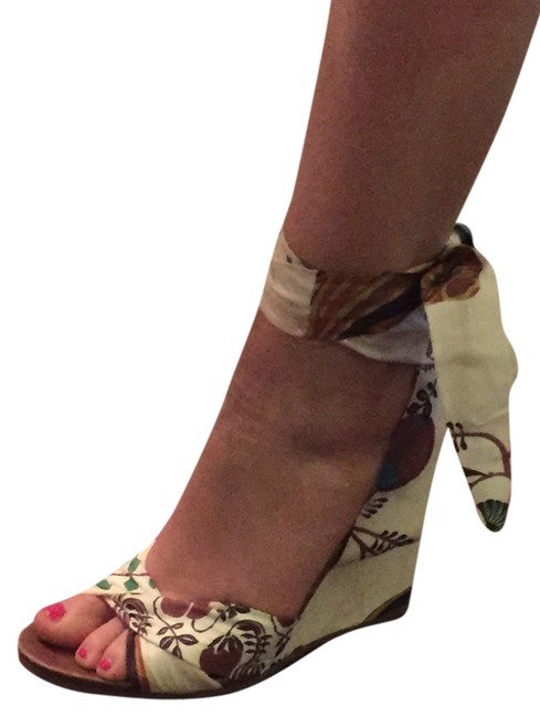 Item - Multi-color and White Ties Floral Floral Print Summer Spring Party Beach Wedges Size US 6.5 Regular (M, B)