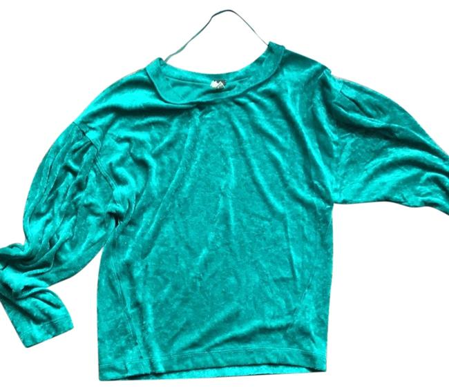 Preload https://img-static.tradesy.com/item/23926613/free-people-green-sweaterpullover-size-6-s-0-1-650-650.jpg
