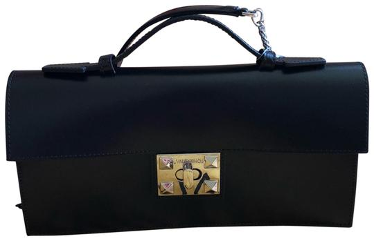 Preload https://img-static.tradesy.com/item/23926631/mario-valentino-made-in-italy-with-dust-black-leather-cross-body-bag-0-1-540-540.jpg