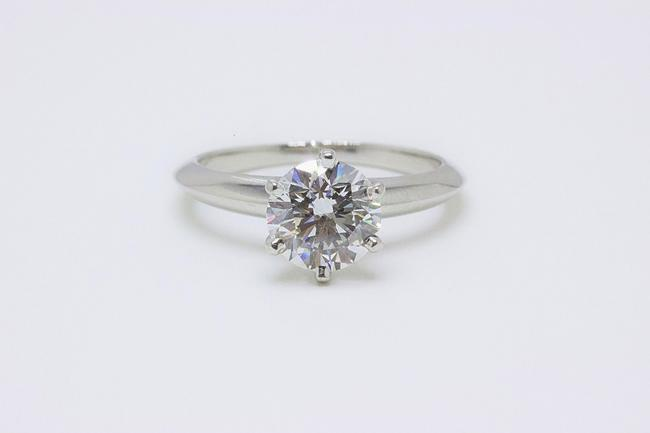 Tiffany & Co. G Vvs1 Round Brilliant Diamond Solitaire 1.33 Cts Platinum Engagement Ring Tiffany & Co. G Vvs1 Round Brilliant Diamond Solitaire 1.33 Cts Platinum Engagement Ring Image 4
