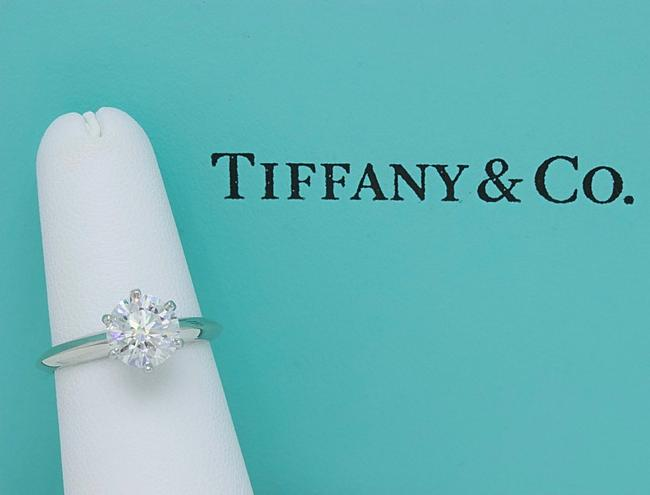 Tiffany & Co. G Vvs1 Round Brilliant Diamond Solitaire 1.33 Cts Platinum Engagement Ring Tiffany & Co. G Vvs1 Round Brilliant Diamond Solitaire 1.33 Cts Platinum Engagement Ring Image 8
