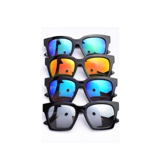 Preload https://img-static.tradesy.com/item/23926948/blue-square-mirrored-sunglasses-0-0-540-540.jpg