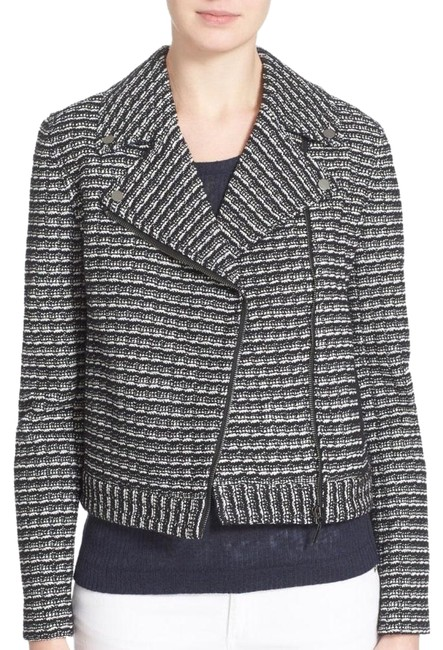 Preload https://img-static.tradesy.com/item/23927078/tory-burch-blackwhite-knit-moto-raffia-jacket-blazer-size-6-s-0-1-650-650.jpg