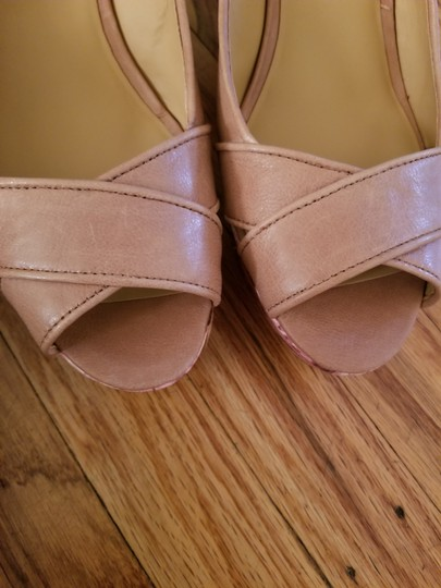 Nine West Tan Wedges