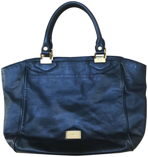 Preload https://img-static.tradesy.com/item/23927459/marc-by-marc-jacobs-classic-q-francesca-workwear-black-leather-tote-0-1-540-540.jpg
