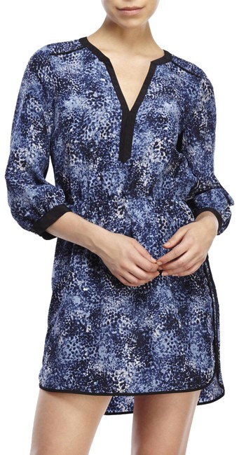 Preload https://img-static.tradesy.com/item/23927545/parker-blue-34-sleeves-printed-short-casual-dress-size-12-l-0-1-650-650.jpg