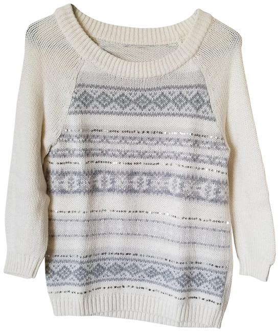 Preload https://img-static.tradesy.com/item/23927593/old-navy-cream-and-grey-winter-pattern-34-sleeve-sequined-sweaterpullover-size-4-s-0-1-650-650.jpg