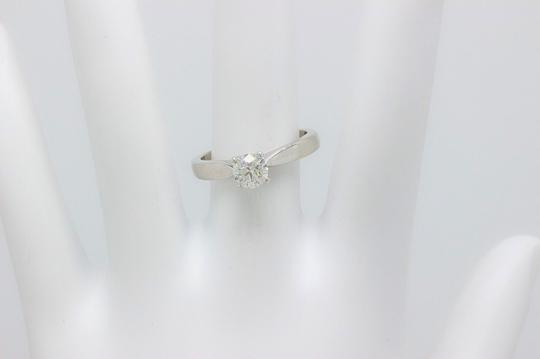 Hearts on Fire I Serenity Diamond Round 0.536cts 18k White Gold Engagement Ring