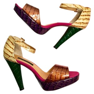 Beverly Feldman Multicolor Pumps