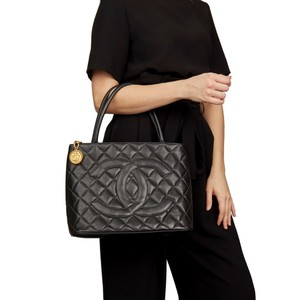 Chanel Luxury Lambskin European Leather Caviar Tote in black