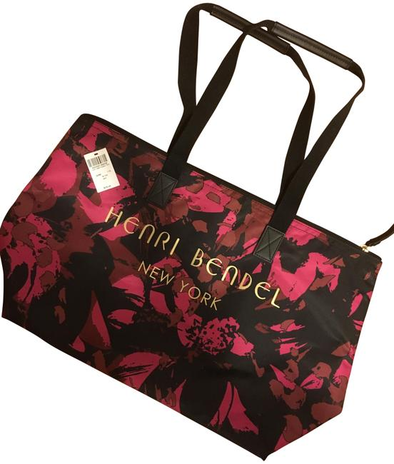 Item - Camo Floral Tote Pink Nylon Weekend/Travel Bag