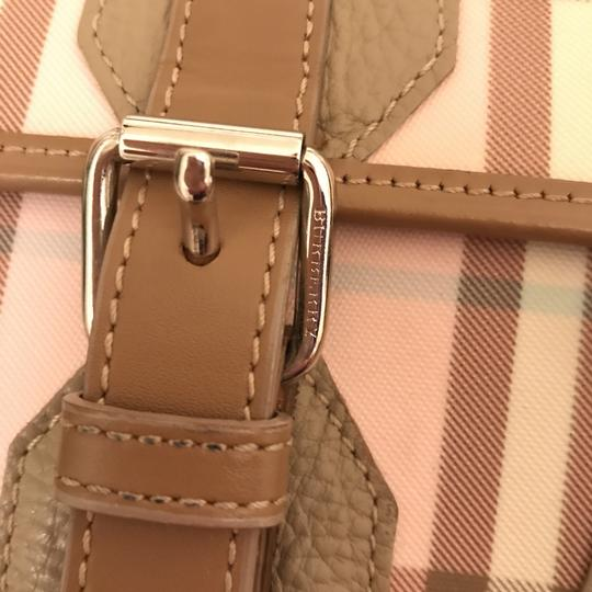 Burberry London Purse Handbag Shoulder Tote Leather Satchel in Beige pink white Multi Image 4