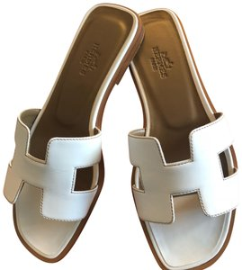 31c3f1e21dbe Hermès Sandals - Up to 70% off at Tradesy (Page 2)