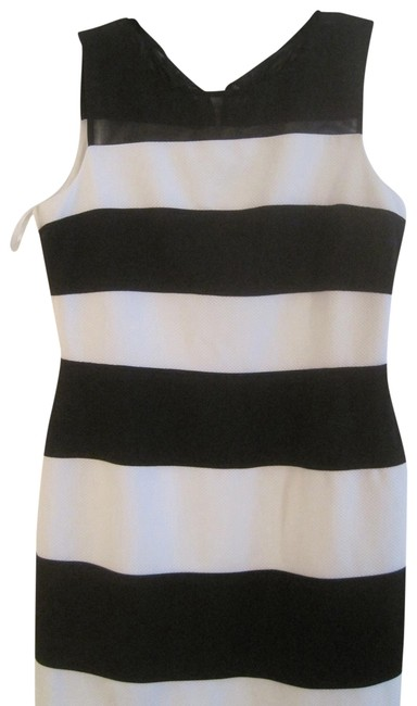 Item - Black and White & Striped Night Out Dress Size 14 (L)