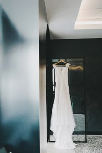 BHLDN Ivory Whispers & Echoes Lure Of Lace Gown Style No. 45268042 Feminine Wedding Dress Size 2 (XS)