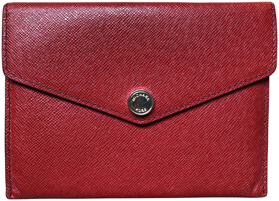 bfded9a0bdfb Michael Kors Red Saffiano Passport Cover Limited Édition Wallet ...