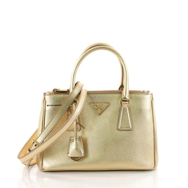 Item - Double Lux Zip Saffiano Small Gold Leather Tote