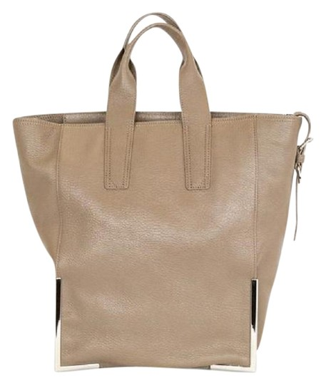 Preload https://img-static.tradesy.com/item/23937712/31-phillip-lim-scout-small-latte-leather-tote-0-1-540-540.jpg